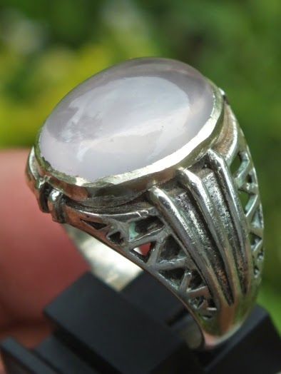 cincin batu rose quartz