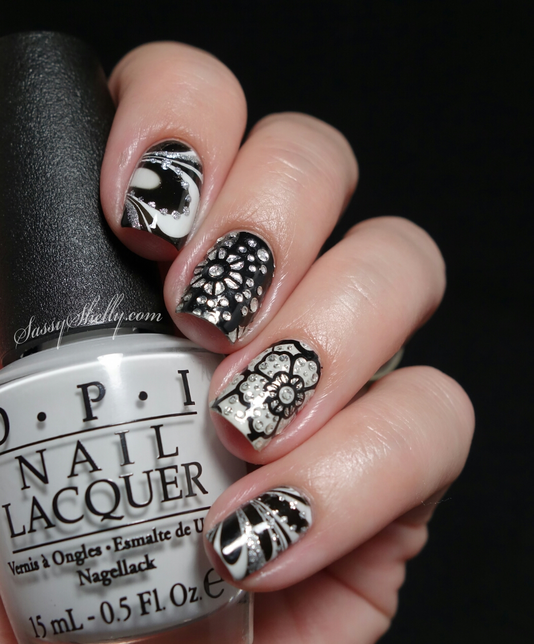 Digit-al Dozen DOES Black & White ~ Day 4: Watermarble with Kiss ...