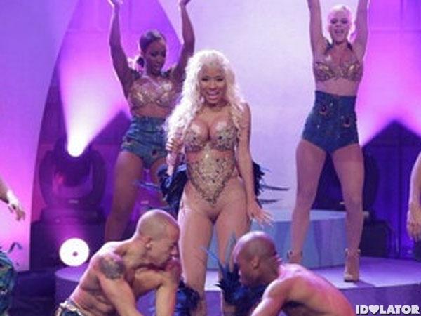 Nicki Minaj Naked Looking Body Suit Turns Eyes