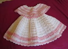Virkattu vauvan mekko