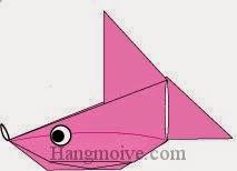 Bước 17: Vẽ mắt để hoàn thành cách xếp con cá vàng phồng bằng giấy origami.