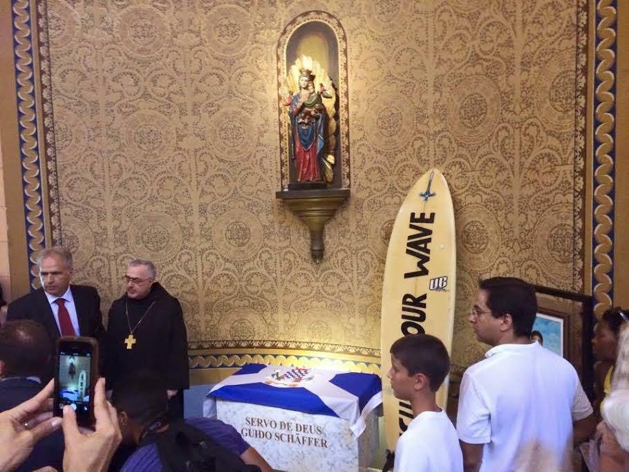 canonização surfista carioca