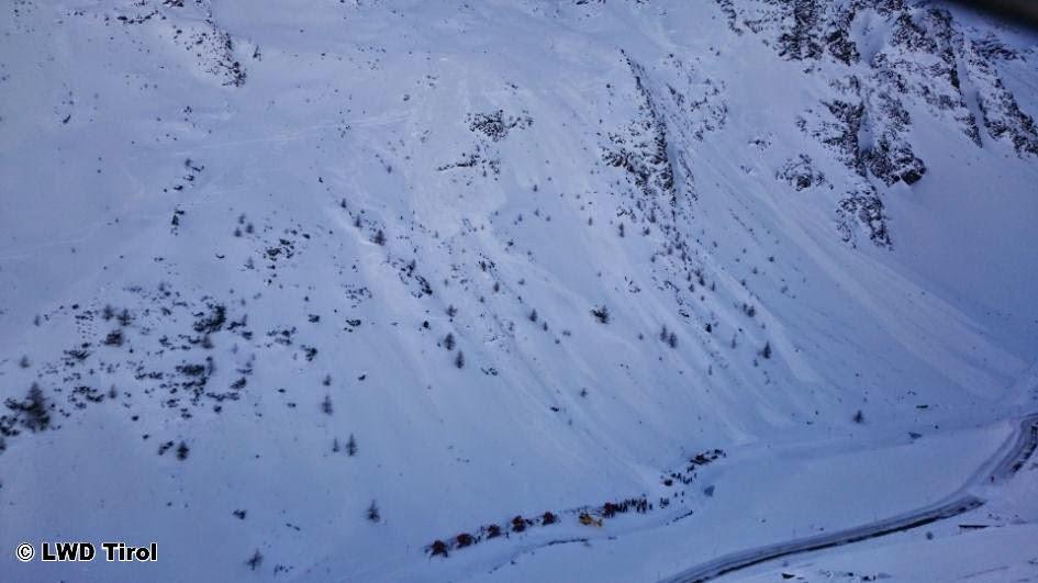 75 погибших в лавинах