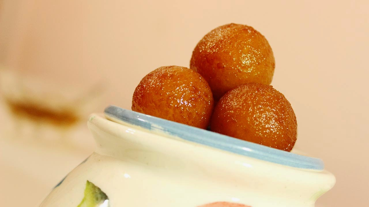 how to prepare gulab jamun at home