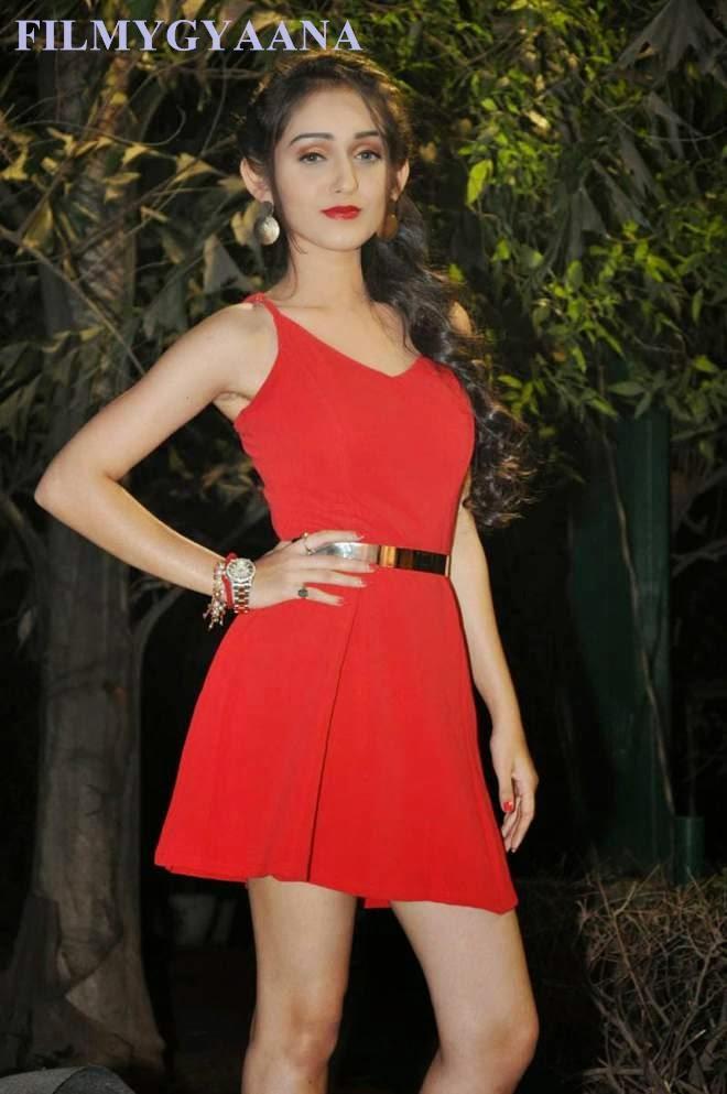 tanya sharma showing spicy legs stills