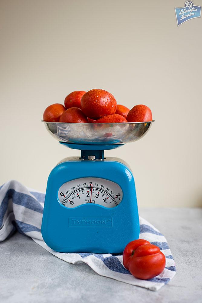 sos z pomidorów i papryki do słoików