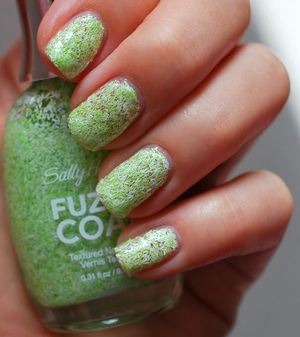 fuzzy fantasy Fuzzy Coat Texture Nail Paint by Sally Hansen