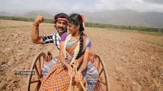 Naan-Saadharana-Manushan-Movie-Stills