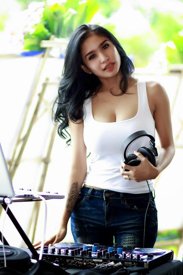 Bibie Julius Si Cantik Bohay Model Majalah Dewasa Paling Hot