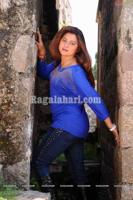 Farah Khan in hot blue