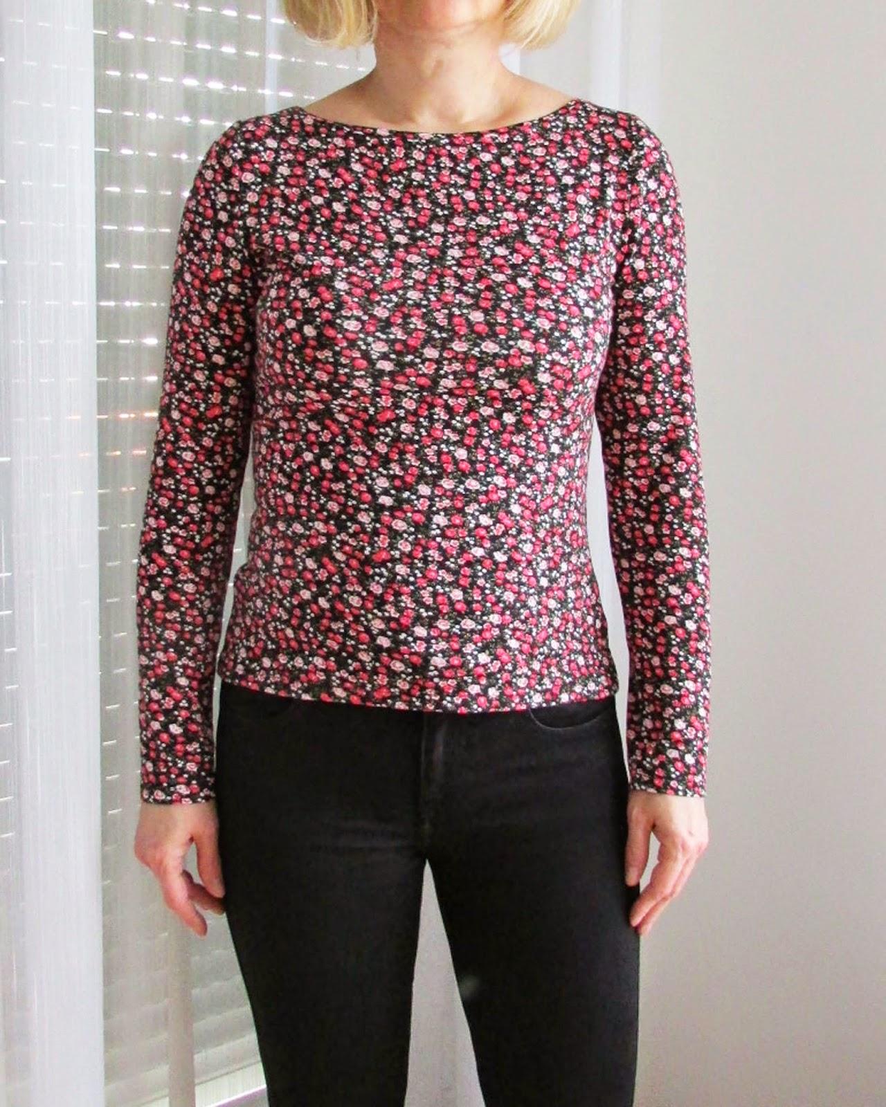 http://ladylinaland.blogspot.com/2014/05/floral-t-shirt-top.html