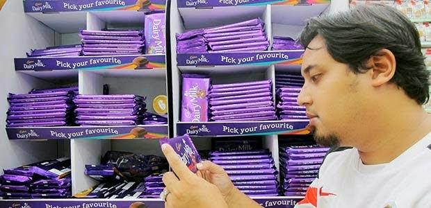 Pegawai JAKIM Sedia Makan Coklat Cadbury Untuk Buktikan Halal