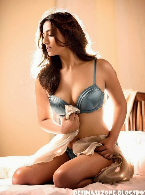 Mahie Gill's hottest and sexiest Photo Gallery