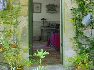 entrada lateral casa provenza