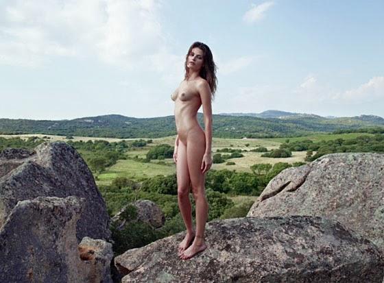 Isabeli Fontana Pirelli1 - TOP MODELS NUDE   KATE MOSS , ISABELI FONTANA & OTHERS