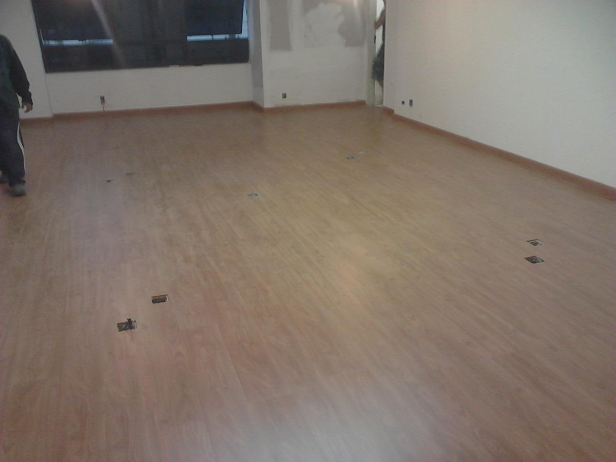 Construindo minha casa clean rodap do piso laminado for Piso laminado instalado