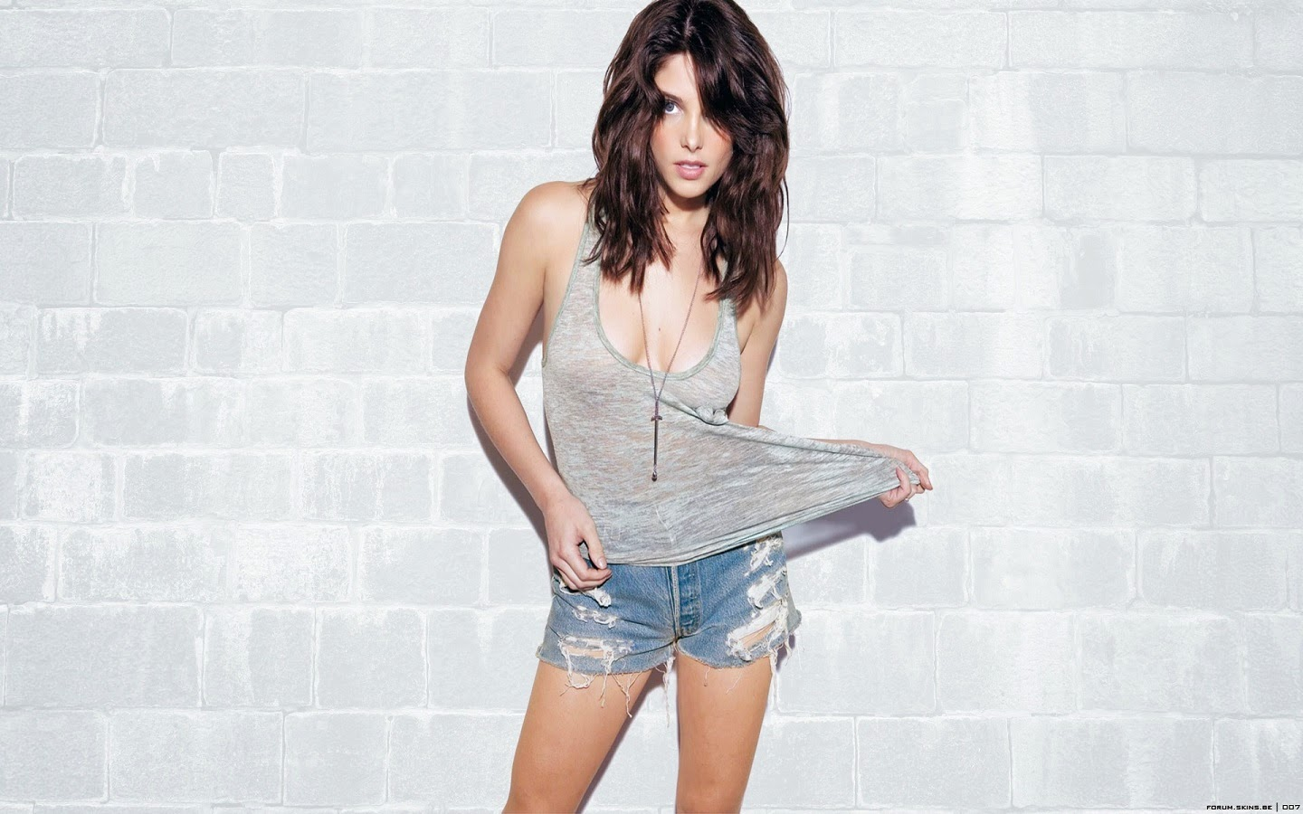 ASHLEY GREENE_WALLSTOWN_IN_HOLLYWOOD ACTRESS_HOLLYWOOD CELEBRITIES