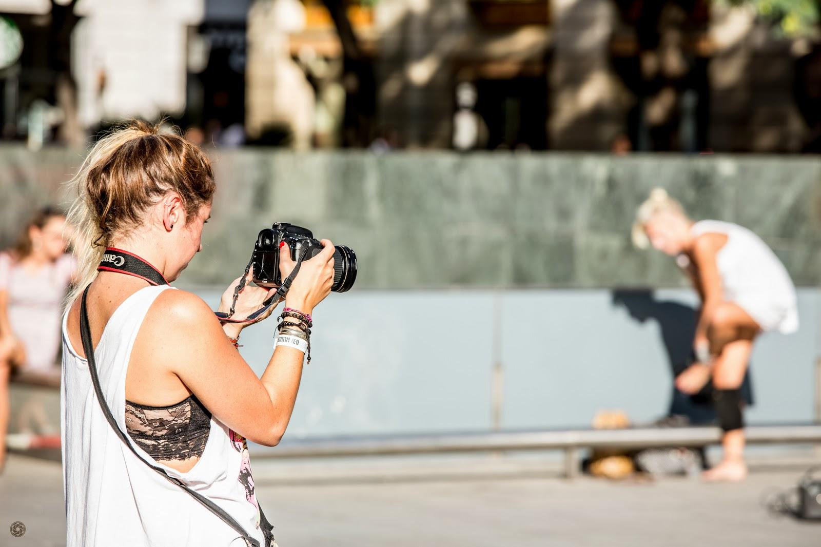 Ella se prepara ... y ya está en su objetivo :: Canon EOS 5D MkIII | ISO100 | Canon 70-200 @169mm | f/5.6 | 1/200s
