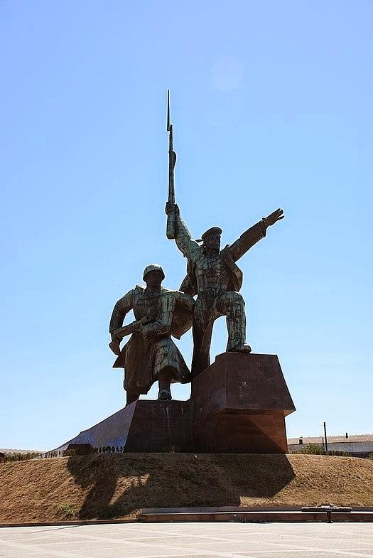 Памятник подешевле Тюмень Мемориальный одиночный комплекс из двух видов гранитов Малая Вишера