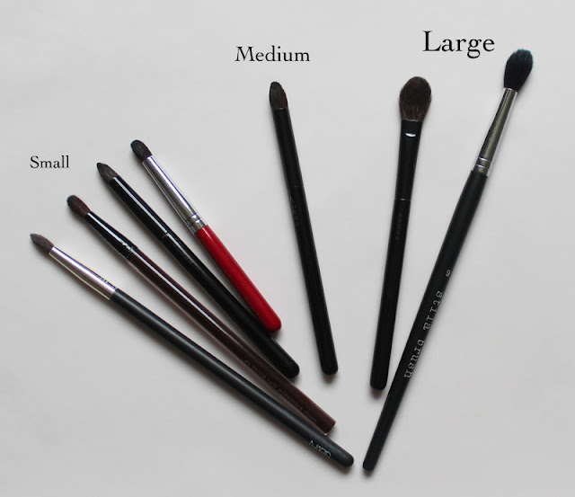 eyeshadow brushes comparison Small: NARS #12, Kevyn Aucoin Small Round-Tip Eyeshadow Brush, Suqqu Eyeshadow S, Chikuhodo Artist Red 10-1 Medium: Suqqu Eyeshadow M Large: Suqqu Eyeshadow L, Stila #9