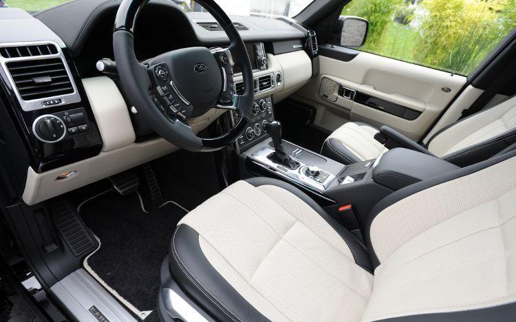 http://4.bp.blogspot.com/-8E_CjNY9nDQ/TbVXLCKQsFI/AAAAAAAAB8k/cbzekz_hAi4/s1600/2011-land-rover-range-rover-autobiography-black-interior.jpg