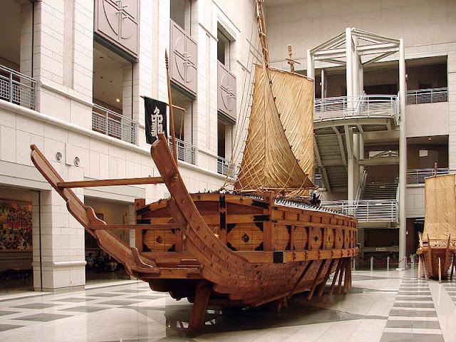 Gambar Kapal Layar Kura-Kura di Museum