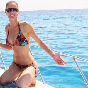 d8466e9_elitefamosas_4+-+Paula+Vazquez+desnuda+sexy+caliente+topless Paula Vazquez publica su teléfono por error en twitter