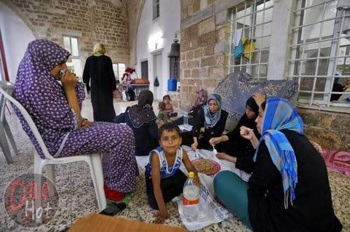 Warga Muslim Gaza mengungsi di Gereja Ortodoks Yunani 18