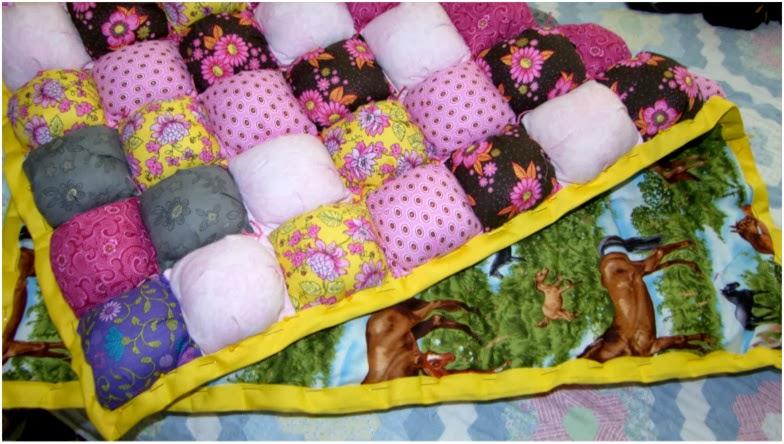 Лоскутное одеяло пуфики
