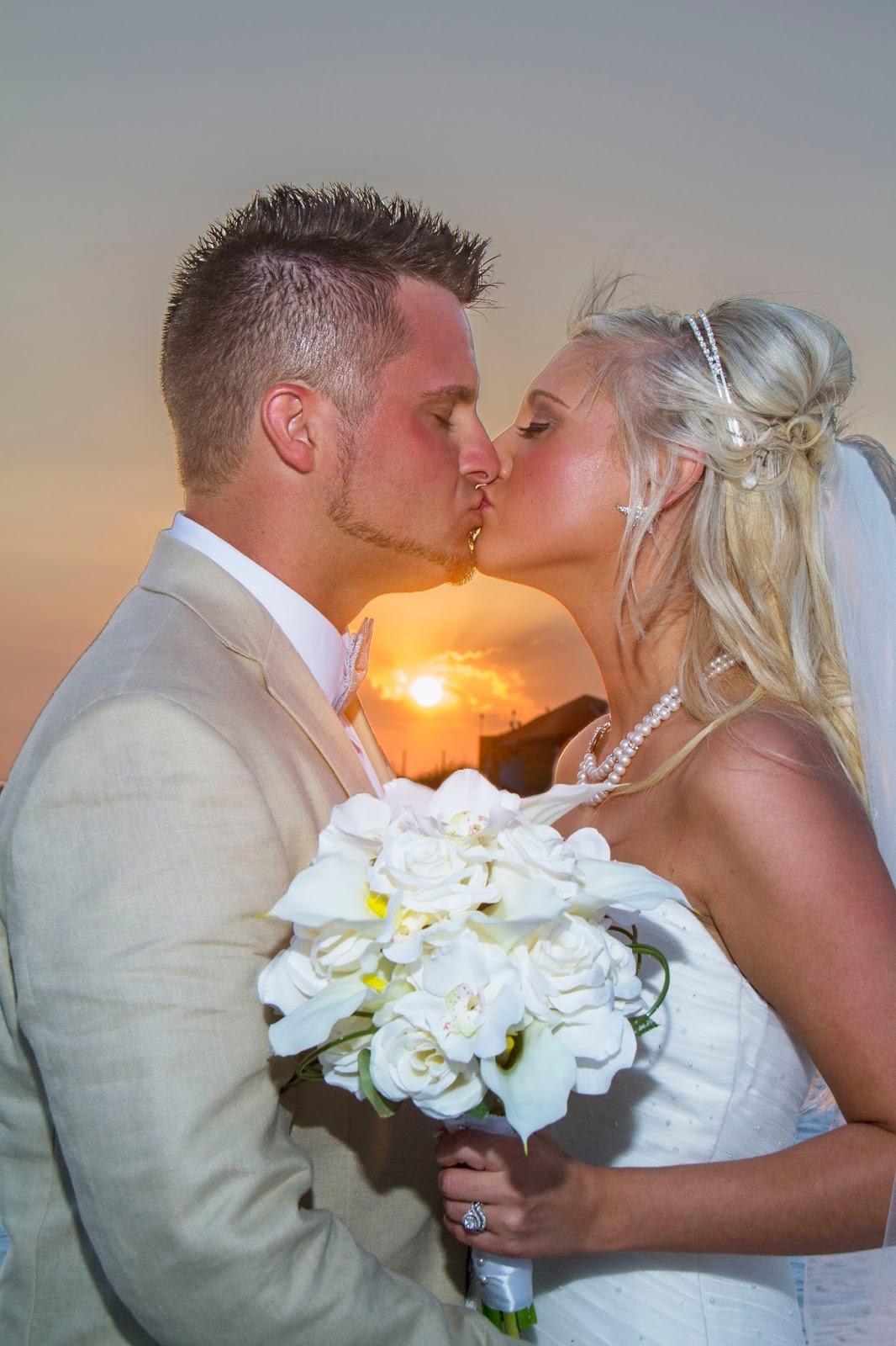 Beach weddings fort walton beach wedding packages sunset beach - Romantic Sunset Beach Weddings In Florida