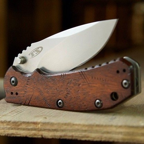 customized pocket knives ZT 0550 by worldofwoodcraft