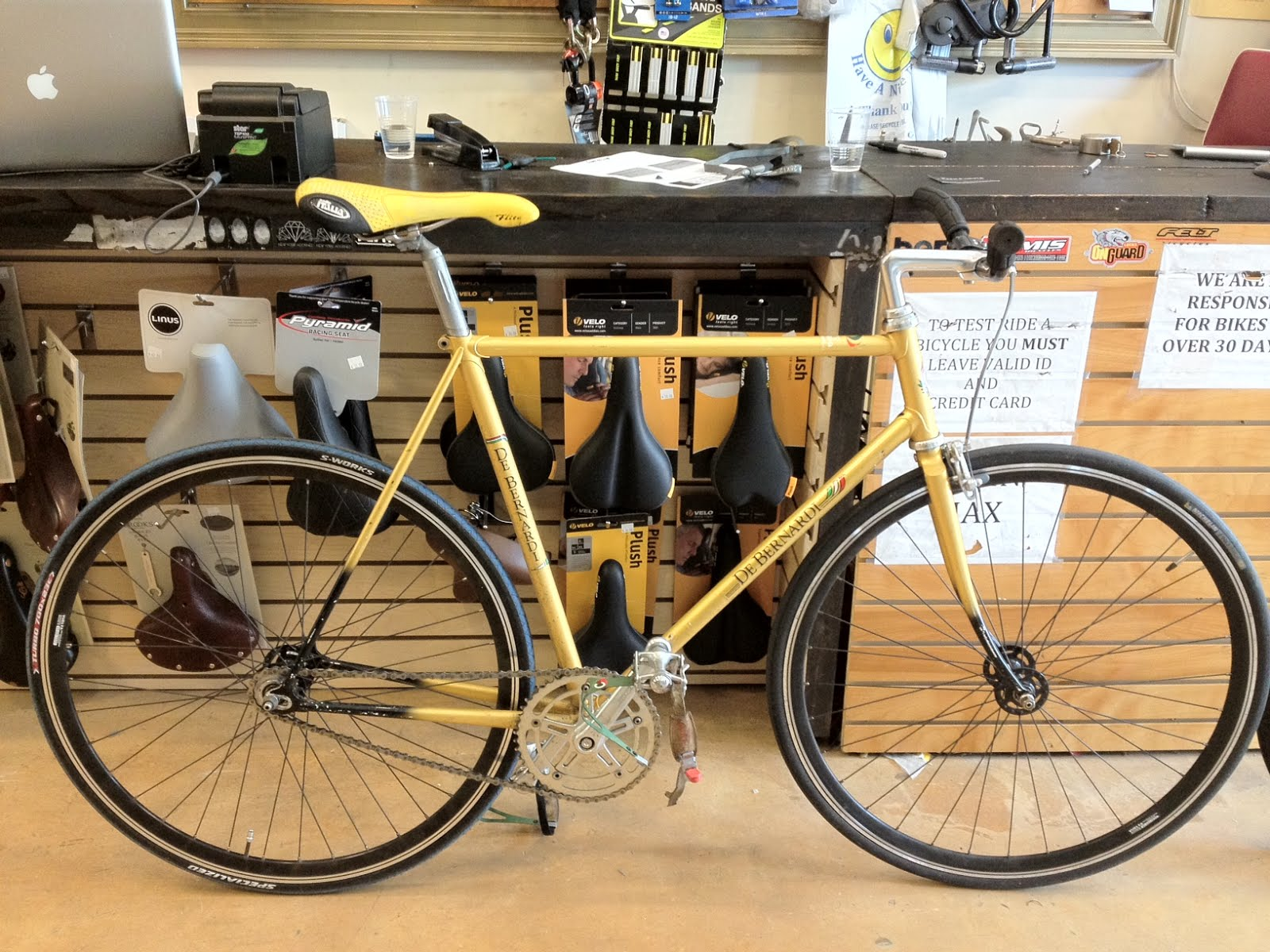 Cycle Sensei: Vintage De Bernardi Track bike