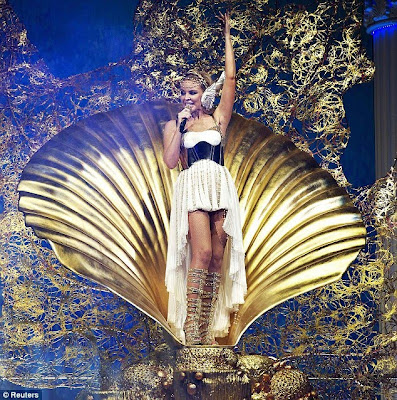 kylie minogue les folies tour setlist. kylie minogue les folies tour setlist. Greek goddess: Kylie Minogue