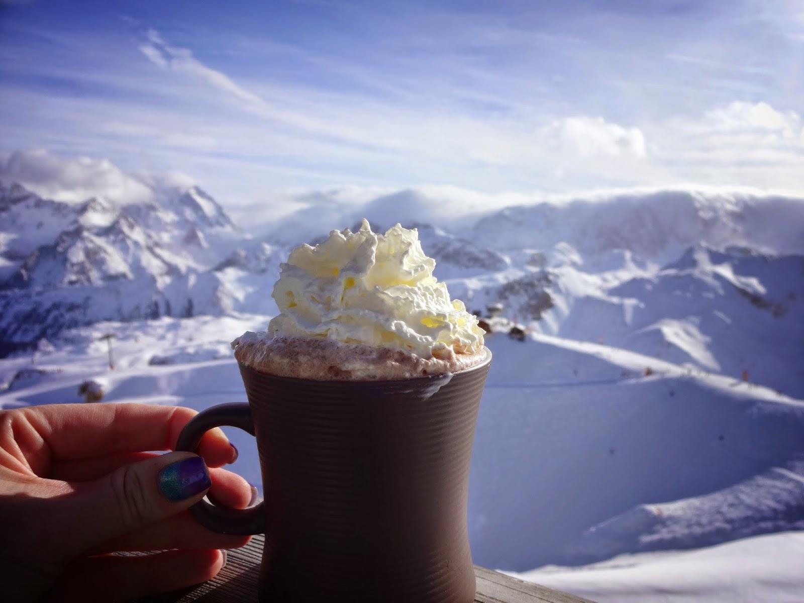 чашка какао в горах три долины