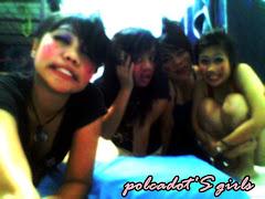polcadots girl