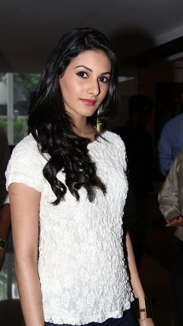 Amyra Dastur Latest Hot Pics