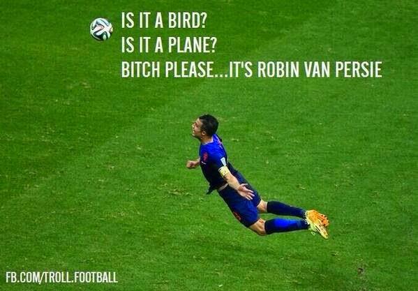 Gambar Lucu Gol Sundulan Van Parsie Piala Dunia 2014 Belanda vs Spanyol 5-1