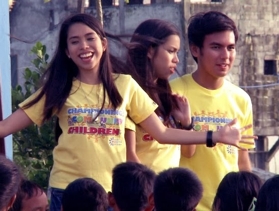 PBB Teens Joj and Jai, John Manalo Turn Garbage Collectors in 'I Dare You' (Nov 30)