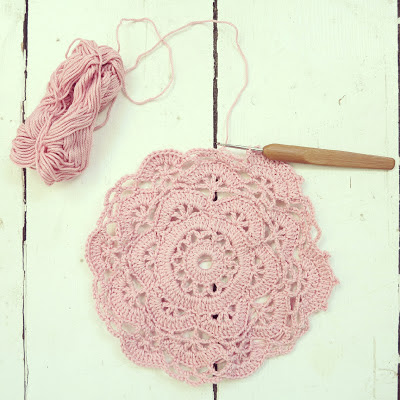ByHaafner, crochet, doily, pink, pastel, doily, work in progress