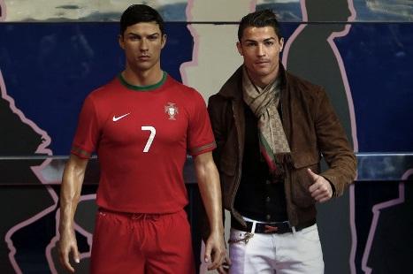 Ronaldo Beli Patung Cristiano Ronaldo Rp 466,7 Juta Rupiah