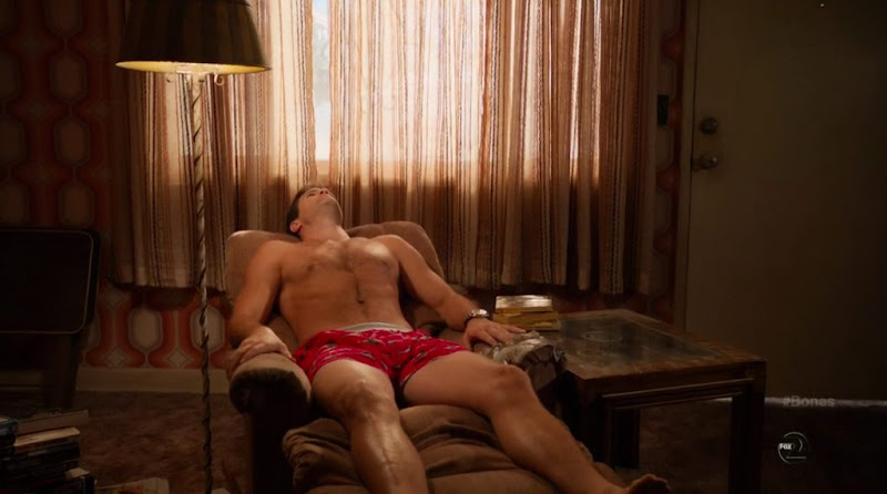 Geoff Stults Shirtless on Bones s6e19