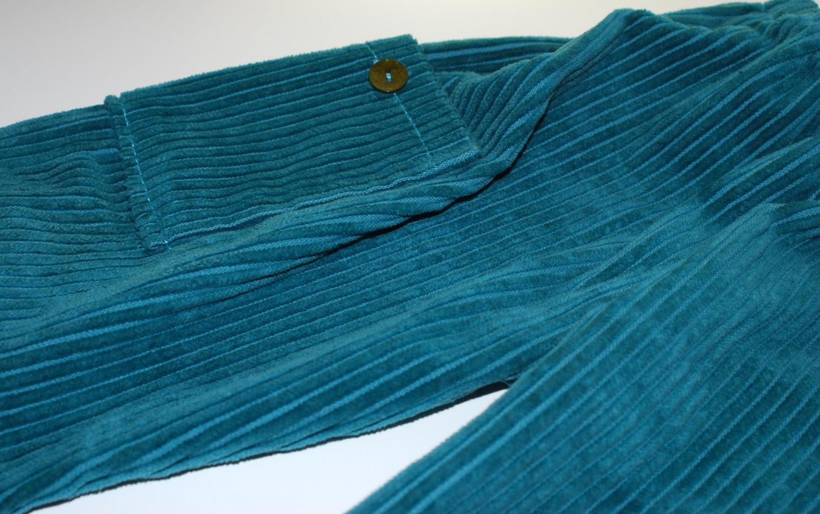 Rose ciel et jaune bonbon plein de petites laines pour les grands frimas - Velours grosses cotes ...