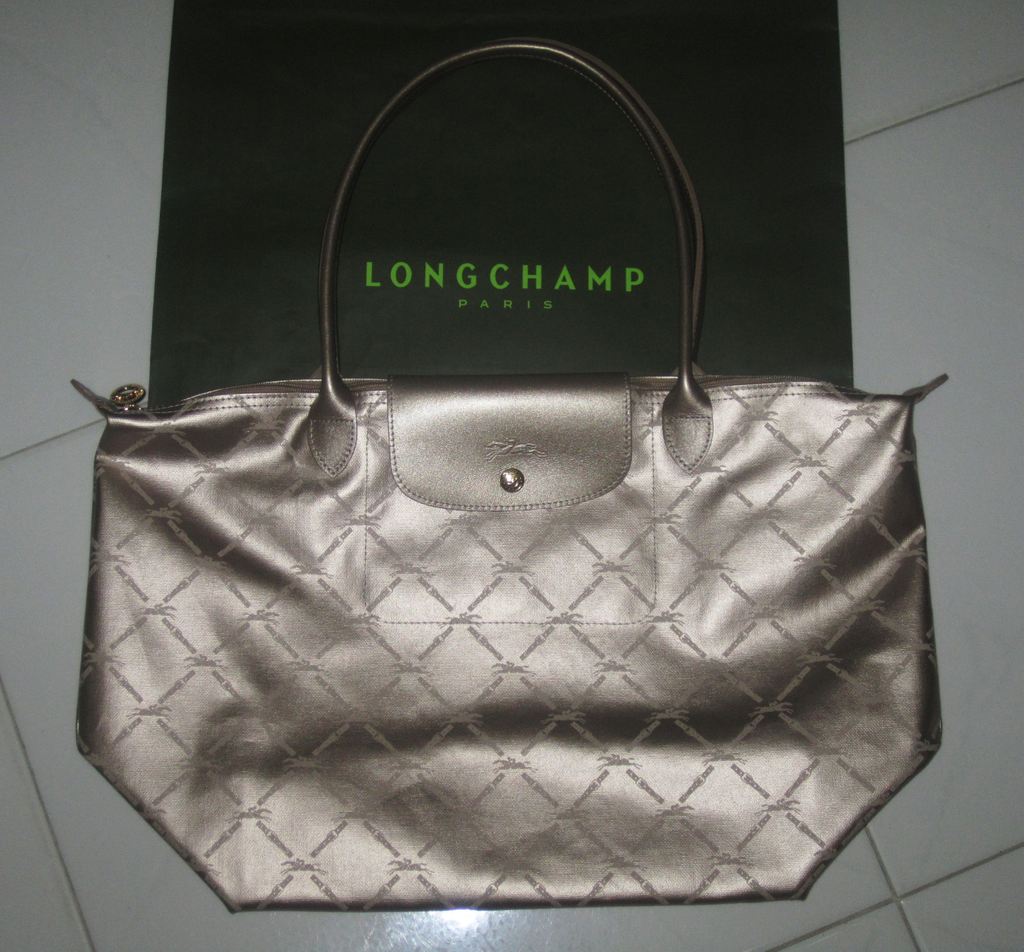 Authentic Brand New Longchamp LM Metal Long Handle Medium Large in Gold e15989d123