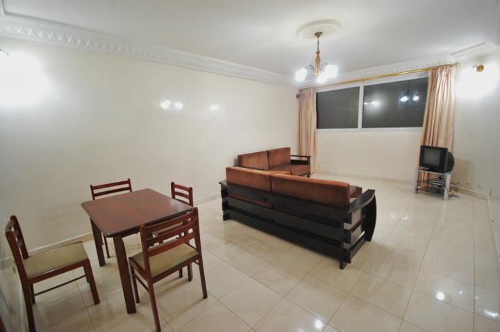 Studio meubl louer aux mamelles dakar avec groupe for Meuble au senegal