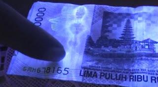 Penampakan Pocong Di Uang Pecahan Rp 50.000