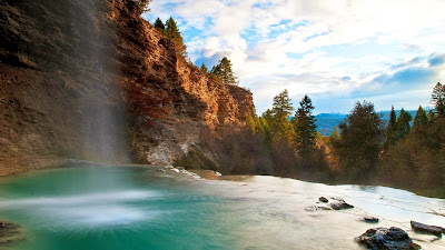 Waterfall at Fairmont Hot Springs near Fairmont, British Columbia, Canada (© Wayne Boland/Getty Images) 404