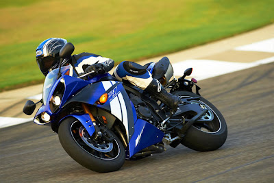 2012 Yamaha YZF R1 Picture