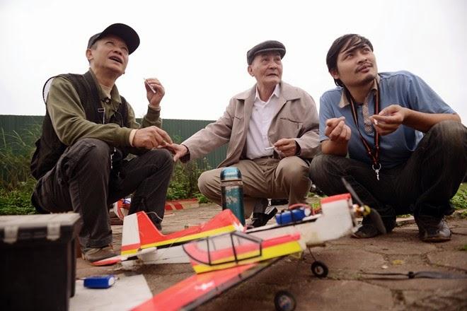 Chơi máy bay điều khiển ở Hà Nội