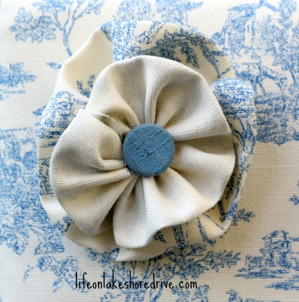 how to make fabric flower rosettes with button