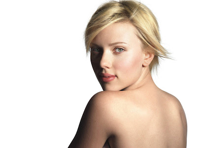 Scarlett Johansson Good Body Wallpaper